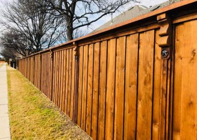 beautiful fence staining in HOA