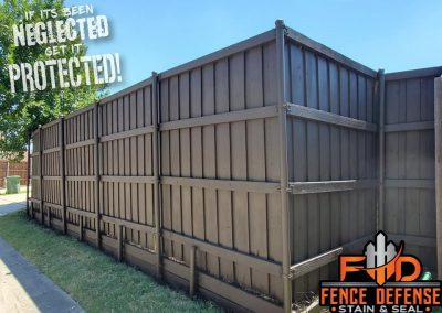 Best Way To Stain A Fence Like A Pro